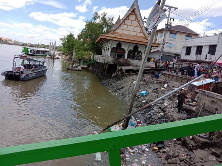 Search underway for 4 people after a pavilion collapses into Mae Klong River