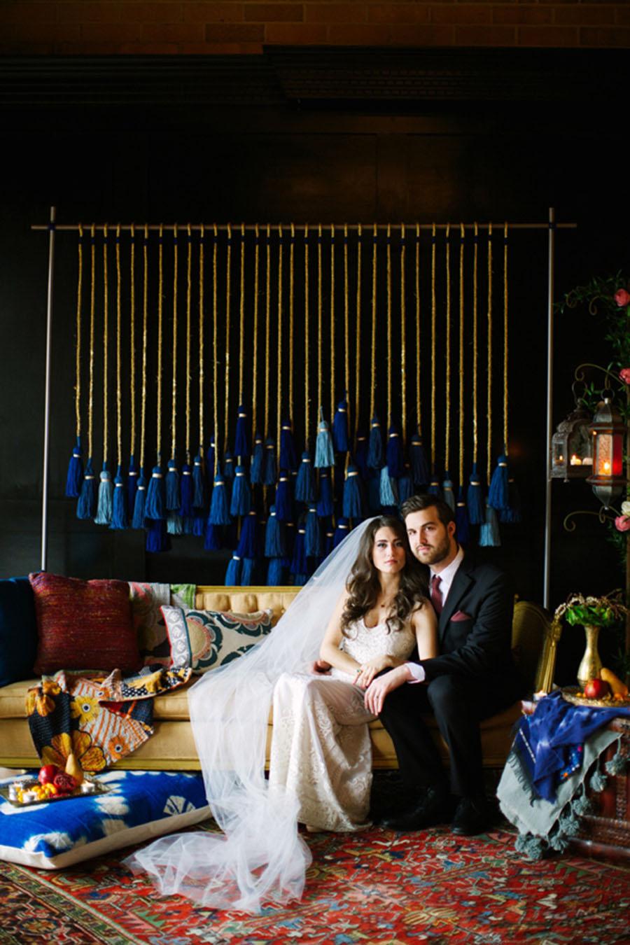 21-DIY-Yarn-Tassle-Wedding-Backdrop