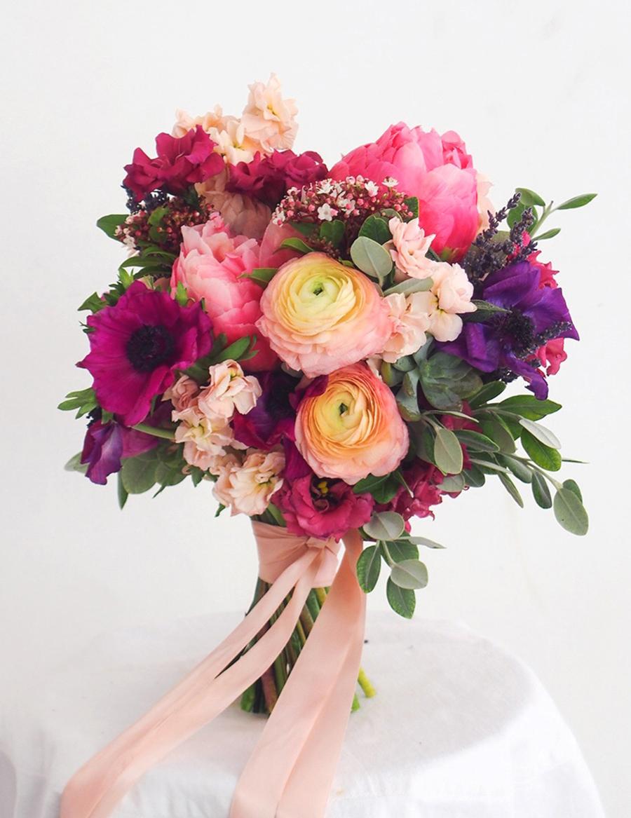 05p-bright-colorful-bridal-bouquet