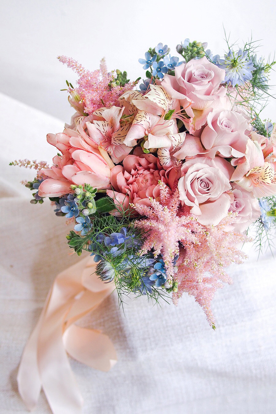 10-pantone-color-of-the-year-2016-bridal-bouquet