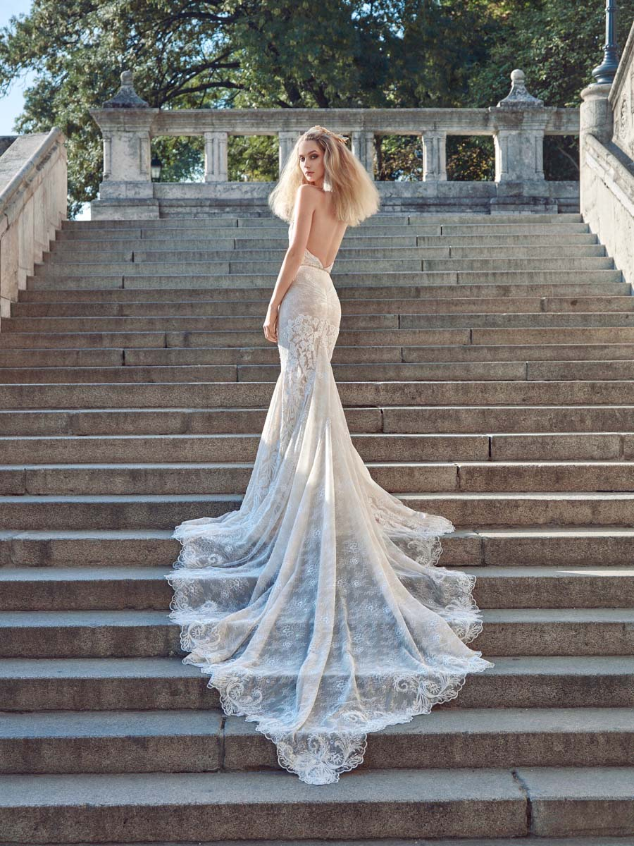 15-The-Wedding-Scoop-Proposal-Bridal-Galia-Lahav