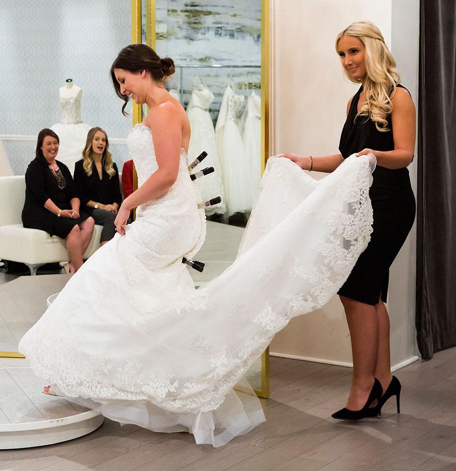 4ae890ae42dd The Wedding Scoop
