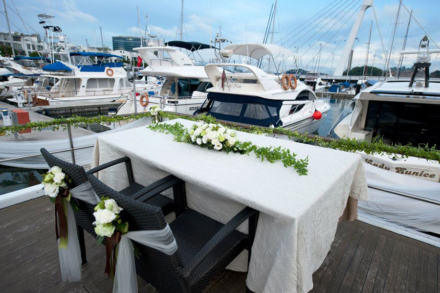 Packing Yacht Rental >> The Wedding Scoop