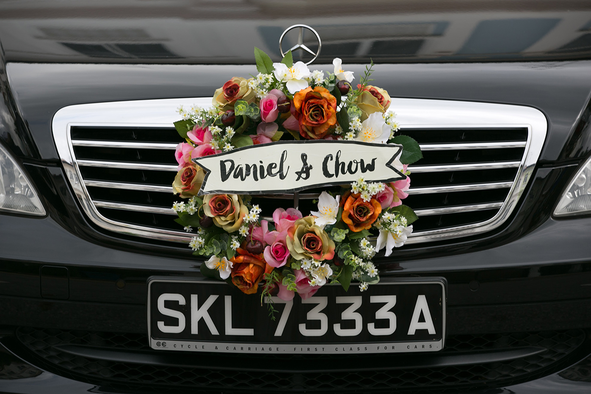 The wedding scoop bridal car wreath from taobao note the car wreath the bride originally purchased is no longer in stock this is a similar product from the same seller junglespirit Images