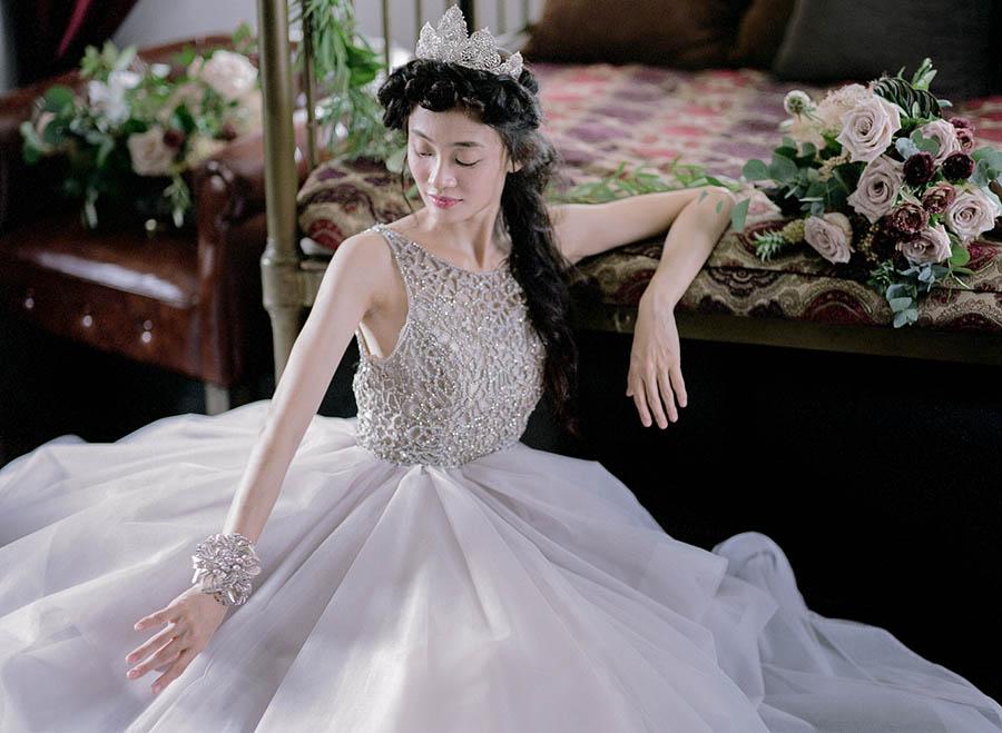 The Wedding Scoop's Wedding Planning Schedule - Six Months