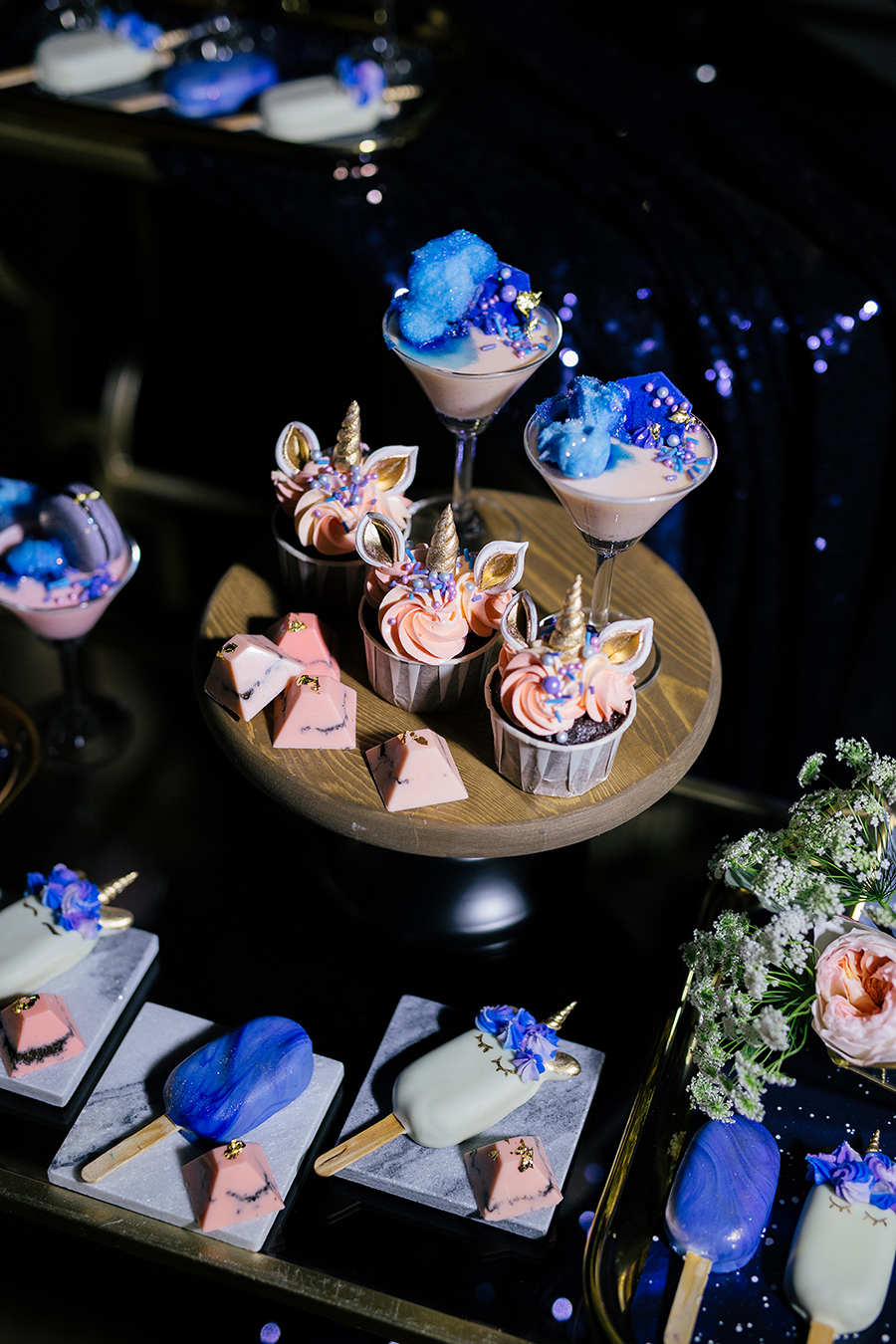 galaxy themed wedding cake the wedding scoop 14630