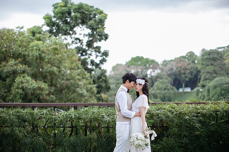 9ff1659c03 Take one decor-savvy bride and mix well with a groom she finds adorable.  Add a dash of natural tones on a base of white and green