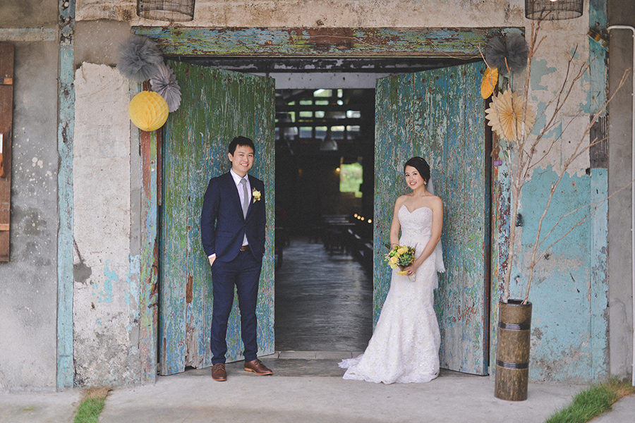 The wedding scoop and karen got hitched in a cheery ceremony at the granary kitchen and bar followed by a traditional chinese sit down dinner at imperial hotel kuching junglespirit Image collections
