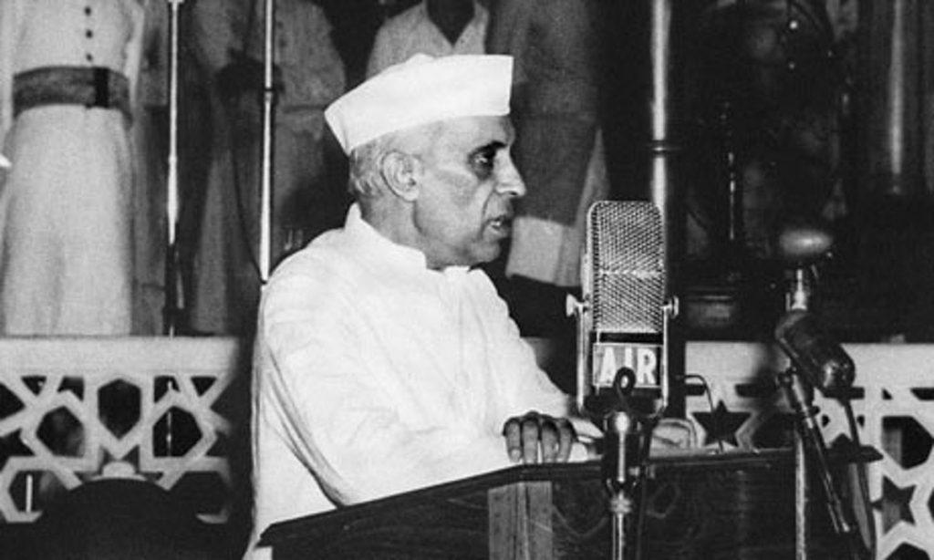 پہلے عام انتخابات میں جواہر لعل نہرو  نے ووٹ مانگتے ہوئے عوام سے کیا کہا تھا… thumbnail