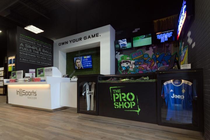 thiết kế shop giày thể thao đà nẵng