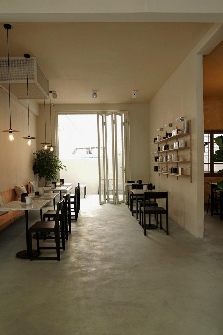 SHOP QUẦN ÁO NAM KẾT HỢP CAFE