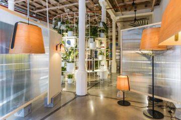 thiết kế showroom đèn treo tường