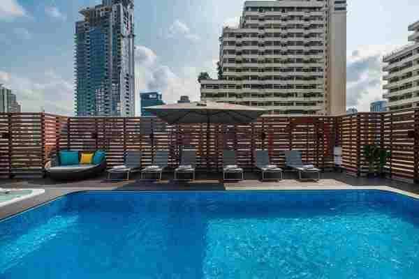 Rus Suite Sukhumvit6 Serviced Apartment Pool