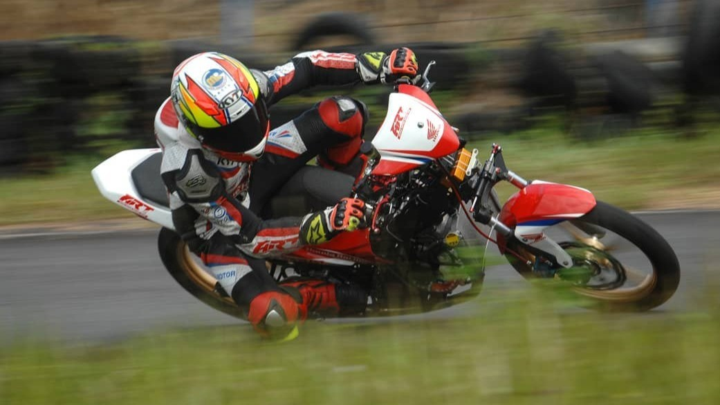 Pembalap Astra Motor Racing Team, Dicky Ersa
