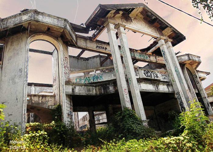 rumah hantu darmo surabaya