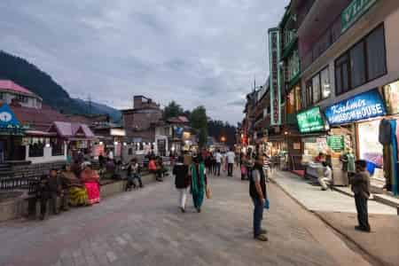 Discover the best shopping places in Manali