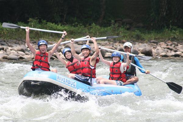 White water rafting (R)