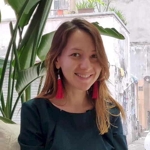 Aigul - Hong Kong: I'm Aigul, a native Russian speaker, with a...
