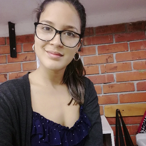 Andreinna - Bruxelles: Hola, mi nombre es Andreinna. Soy colom...