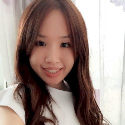 Angela - Hong Kong: Hi! I am Angela from China. I am a profess...