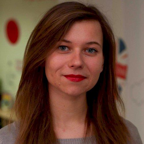 Anna - Sydney: I am Anna, a teacher of Italian, English, and R...
