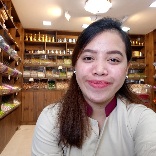 April - Abu Dhabi: I am from the Philippines. I am currently w...