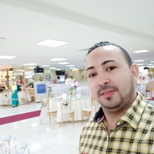 Azeddine - Singapore: My name Azeddine from Algeria. I live in...