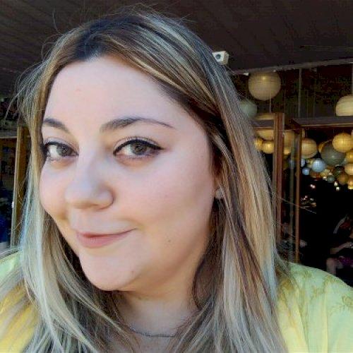 Camila - Spanish Teacher in Perth: Hola todos :) I'm Camila fr...