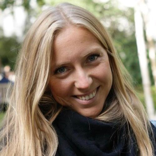 Camilla - London: Hi everyone! I'm Camilla, Italian, 27 :). I'...