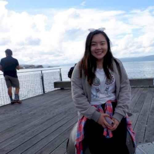 Candy - Auckland: Hi, I am from Hong Kong. I am currently a un...
