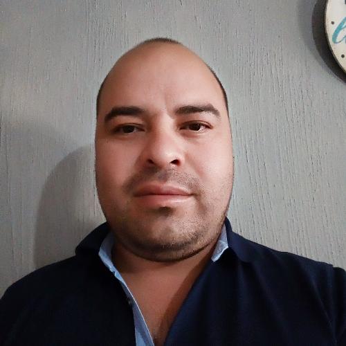 Carlos - Dublin: I'm Carlos and I'm from Mexico. I love readin...