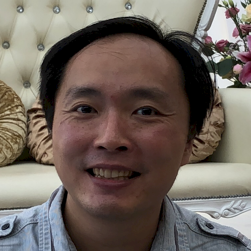 Chi Wai - Singapore: I am a native Cantonese speaker from Hong...