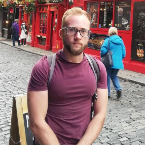 Daniel - Dublin: I am graduated in environmental sciences. I w...