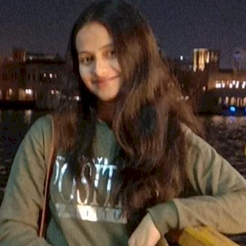 Divya - Dubai: Qualified postgraduate (computer science) teach...