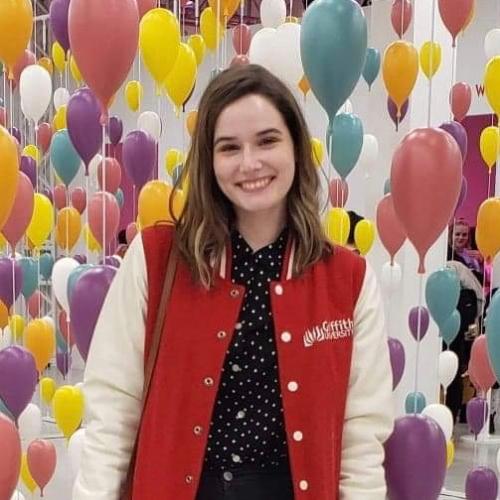 Emma - Brisbane: I have a bachelor's degree in English Liter...