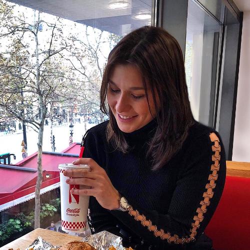 Eva - Brisbane: Hi, I'm a French girl. In Australia for one ...