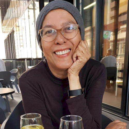 Fouziah - Adelaide: I am a retiree and also a grandmother who ...
