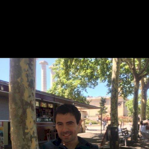 Francois - French Teacher in Manila: Bonjour, I am Francois, b...