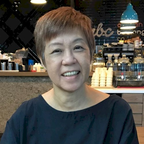 Gloria - Singapore: I train people with a Tool to Acquire Lang...