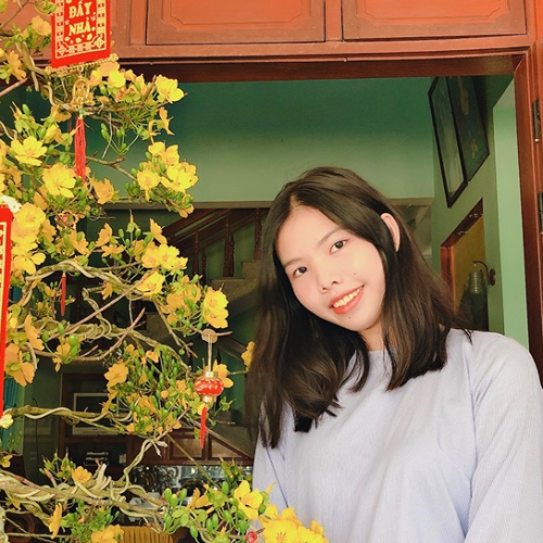 Helen - Singapore: I am born in Vietnam and Vietnamese is my m...