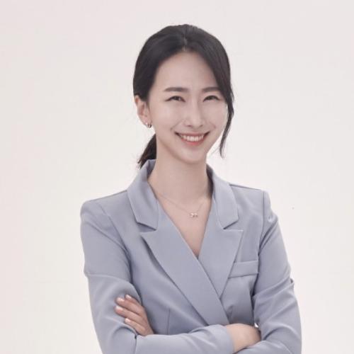 Hyuna - Korean Teacher in City of London: Hi. I am a theatre a...
