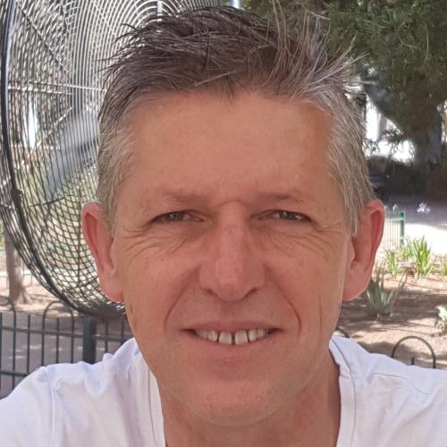 Ian - Tel Aviv: Hi. I am a native English speaker. I am learni...