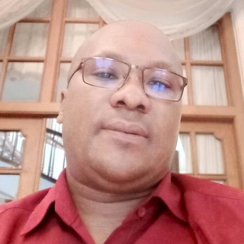 Jean-Pierrre - Jakarta: I'm a French native speaker teacher in...