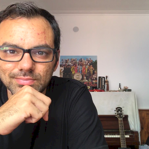Juan Manuel - London: Hello! I'm Juan. An Argentinean musician...
