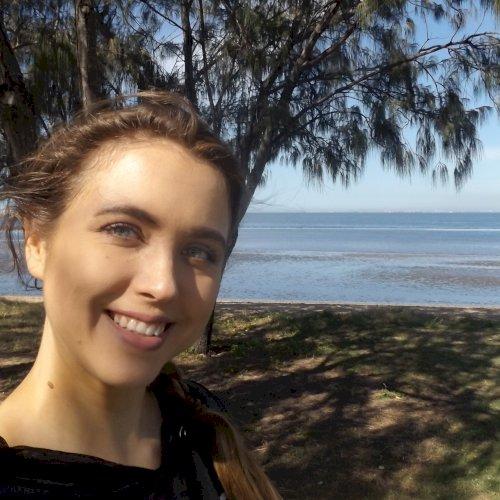 Julia - German Teacher in Brisbane: Hi! I'm a friendly, outgoi...