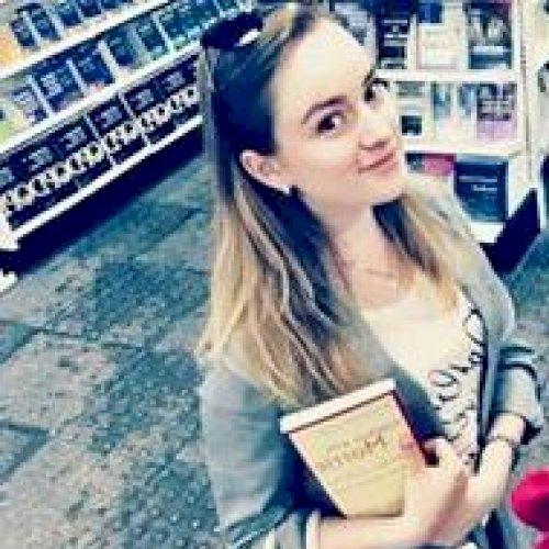 Kateryna - Abu Dhabi: Hello! I'm looking forward to helping yo...
