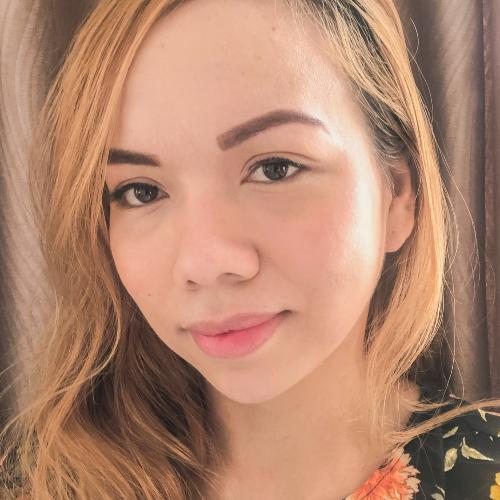 Lea - Filipino Teacher in Doha: I am a nurse by profession but...