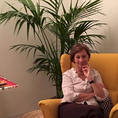 Lorella - Dubai: Hi! I am Lorealla from Italy! Born, Milano, 3...