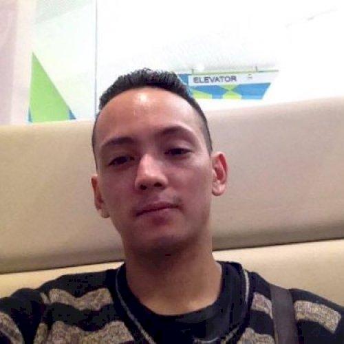 Lyndon - Manila: Hi! I am Lyndon Van Haecke. A new teacher and...