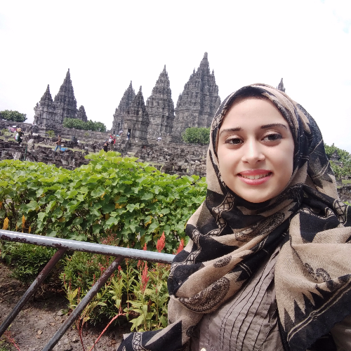 Manal - Jakarta: i am stay now in country of indonesia my nati...